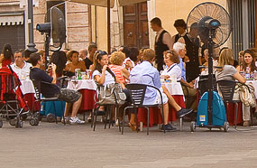 l cafe piazza rome The Importance Of Being Blonde (In Italy)
