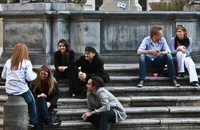 Young people on Piazza di S. Maria in Trastevere